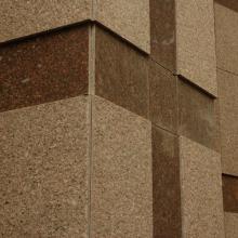 Фасад полированный гранит