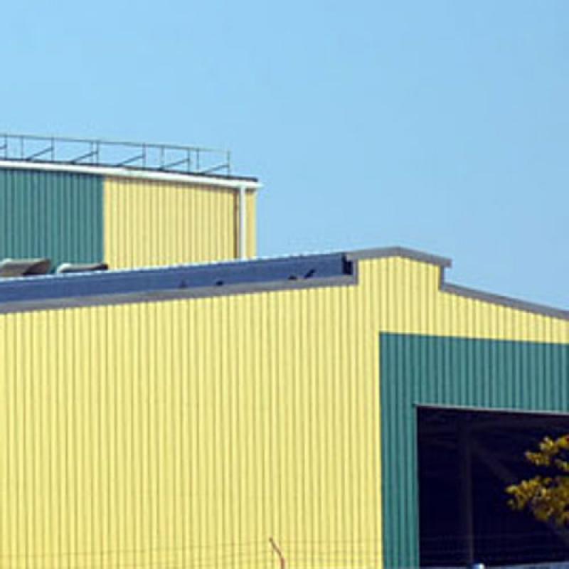 Фасад из сендвич-панелей